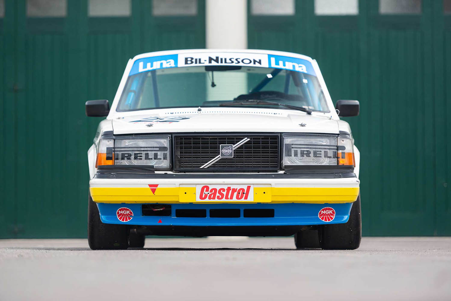 5d2da73d2be6ba4389e1a439_insert1-for-sale-1984-volvo-240-turbo-group-abicester-heritage-oxfordshire-uk-sports-purpose-porsche-specialists.jpg