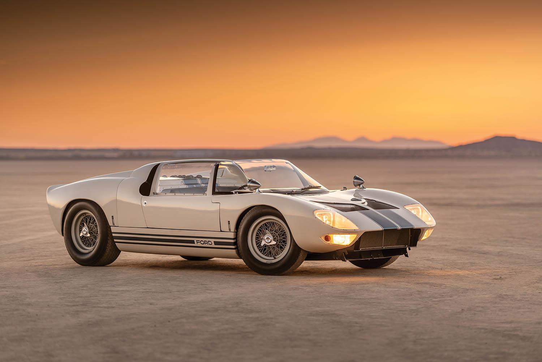 1965-Ford-GT40-Roadster-Prototype-_0.jpg