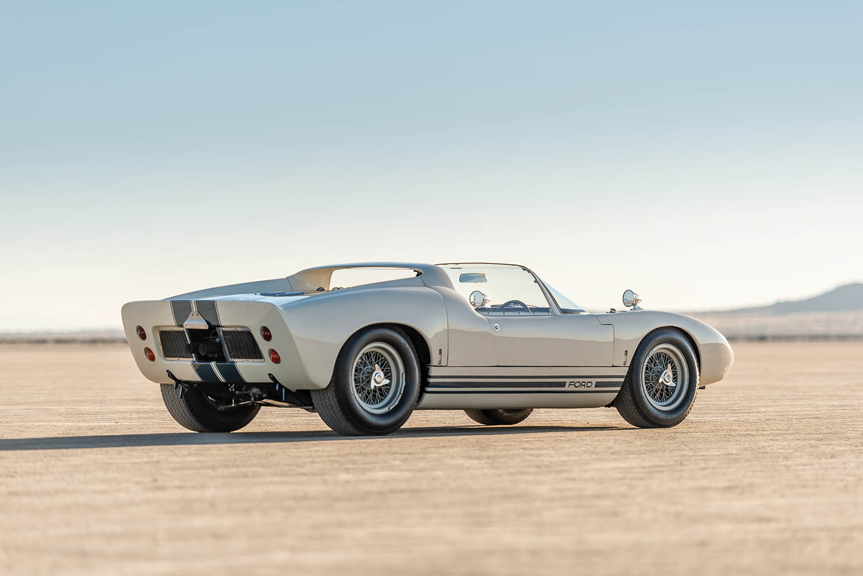 1965-Ford-GT40-Roadster-Prototype-_29.jpg