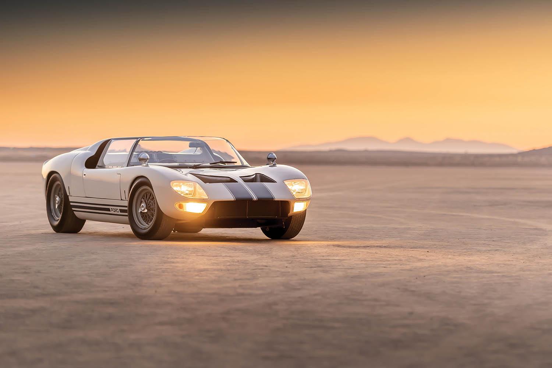 1965-Ford-GT40-Roadster-Prototype-_28.jpg