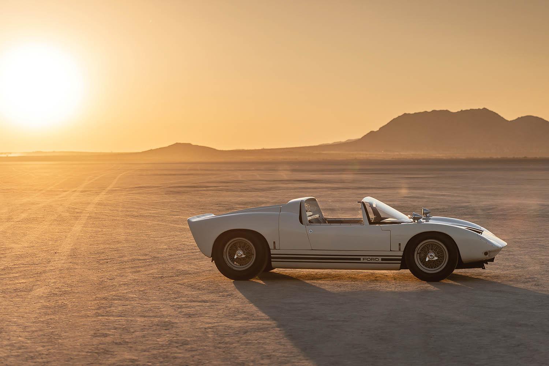 1965-Ford-GT40-Roadster-Prototype-_24.jpg