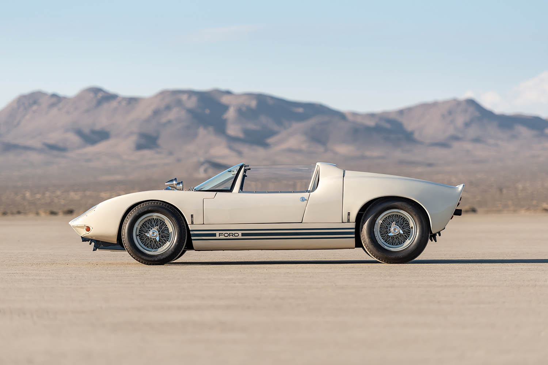 1965-Ford-GT40-Roadster-Prototype-_4.jpg