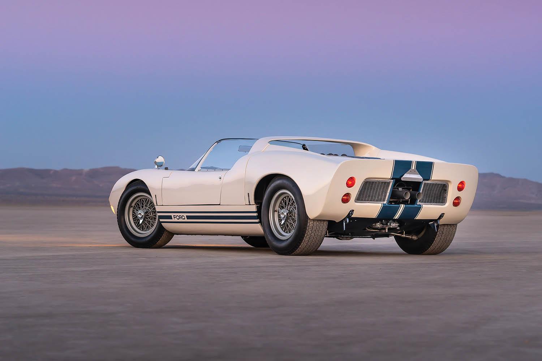 1965-Ford-GT40-Roadster-Prototype-_1.jpg