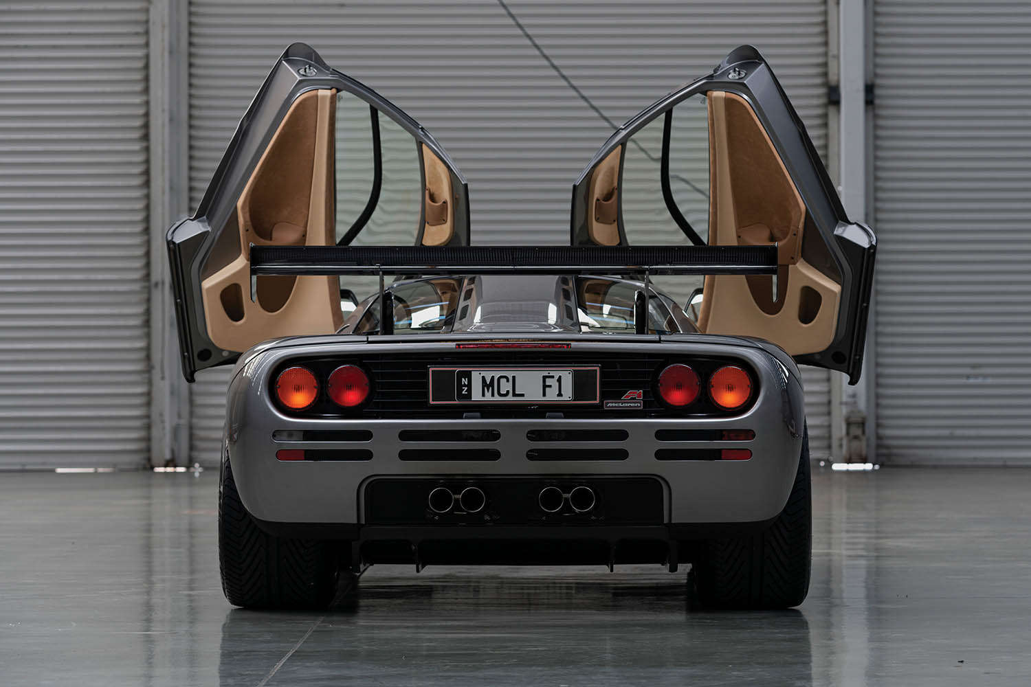 1994-McLaren-F1--LM-Specification--_7.jpg