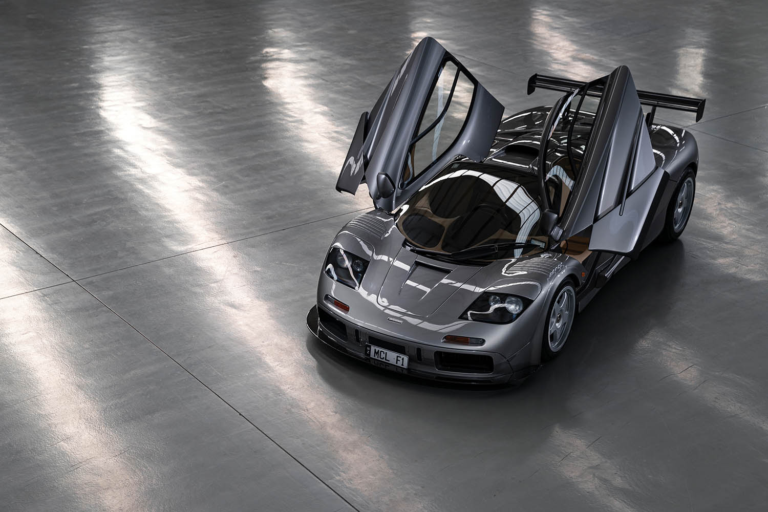 1994-McLaren-F1--LM-Specification--_8.jpg