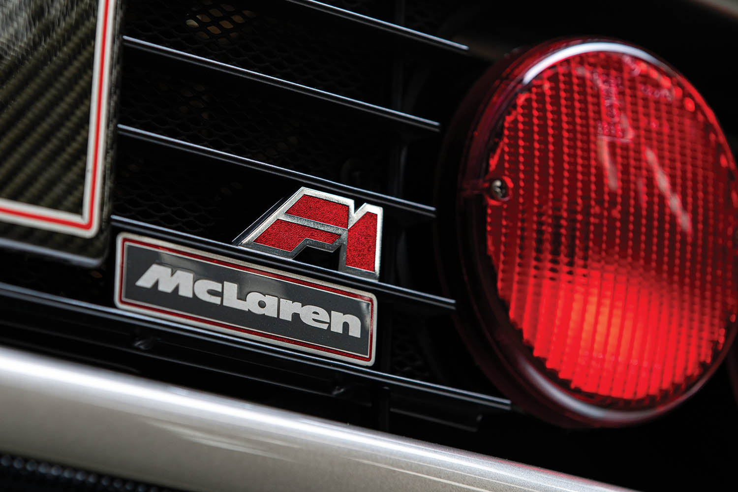 1994-McLaren-F1--LM-Specification--_11.jpg