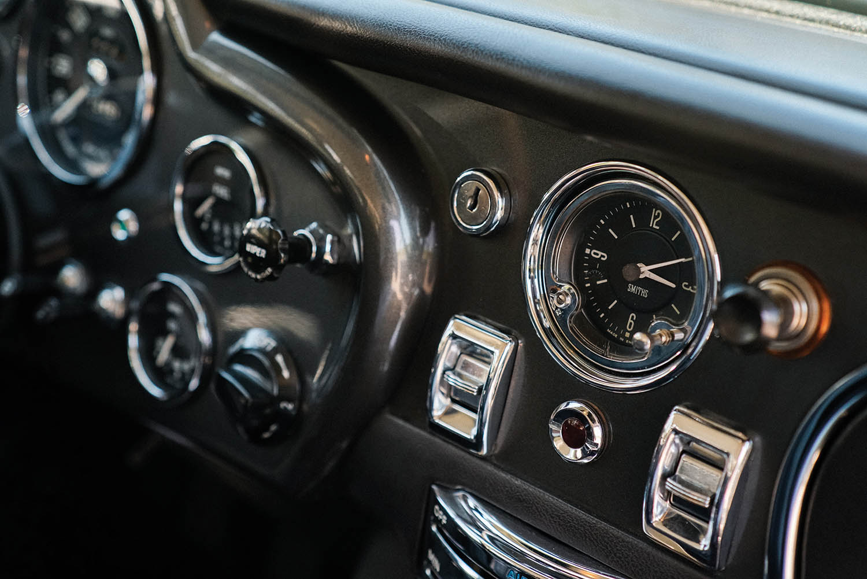 1965-Aston-Martin-DB5-Shooting-Brake-by-Radford_11.jpg