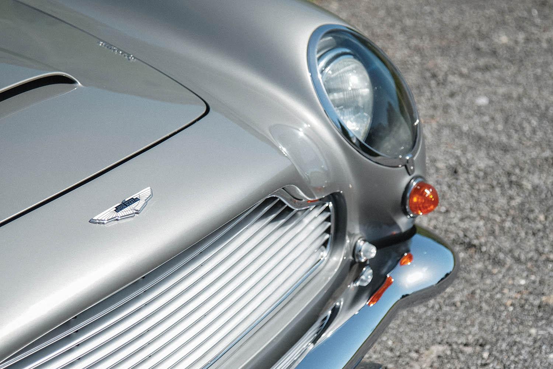 1965-Aston-Martin-DB5-Shooting-Brake-by-Radford_16.jpg