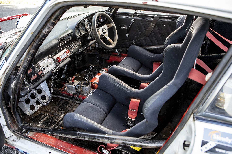 1976 Porsche 911 Carrera 3.0-Litre Rally Car cabin.jpg