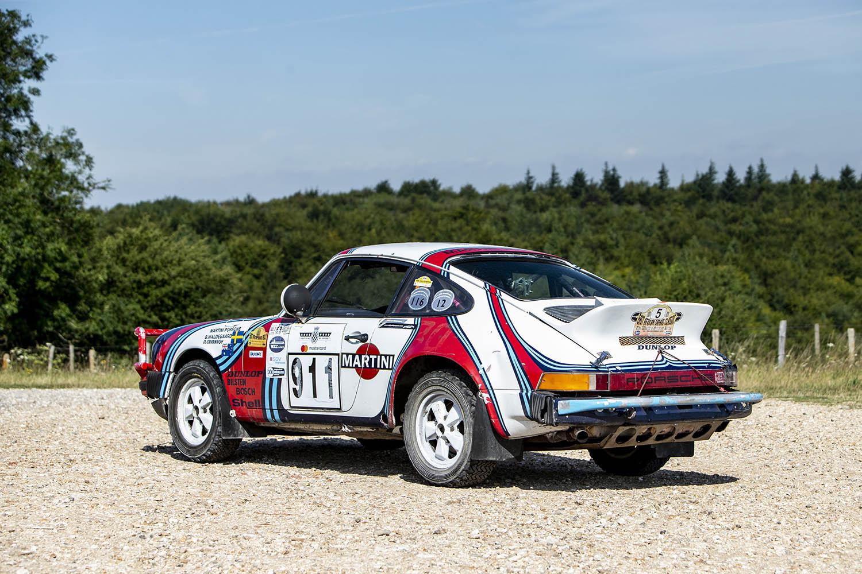 1976 Porsche 911 Carrera rear 3:4.jpg