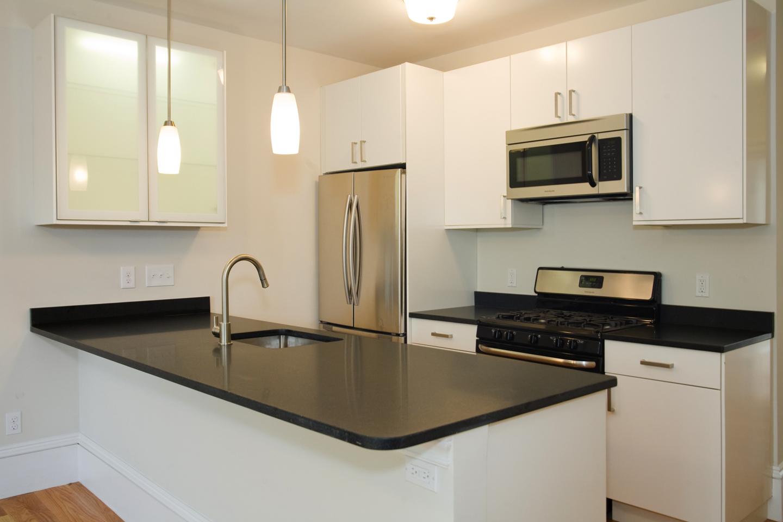 04 kitchen a.jpg
