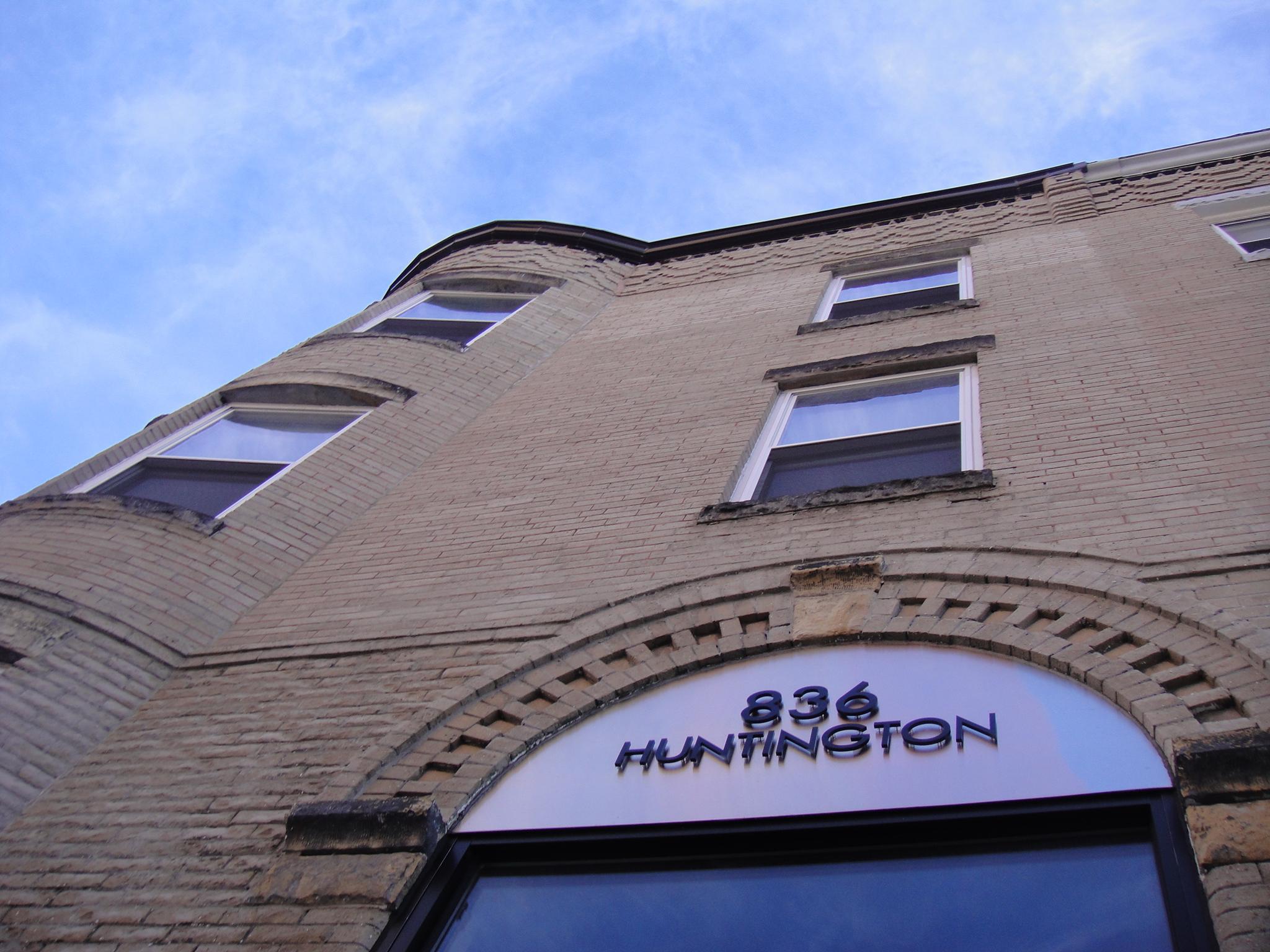 836 huntington exterior a.JPG