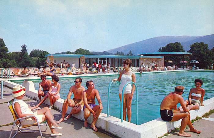 The Fallsview Outdoor Pool.jpg