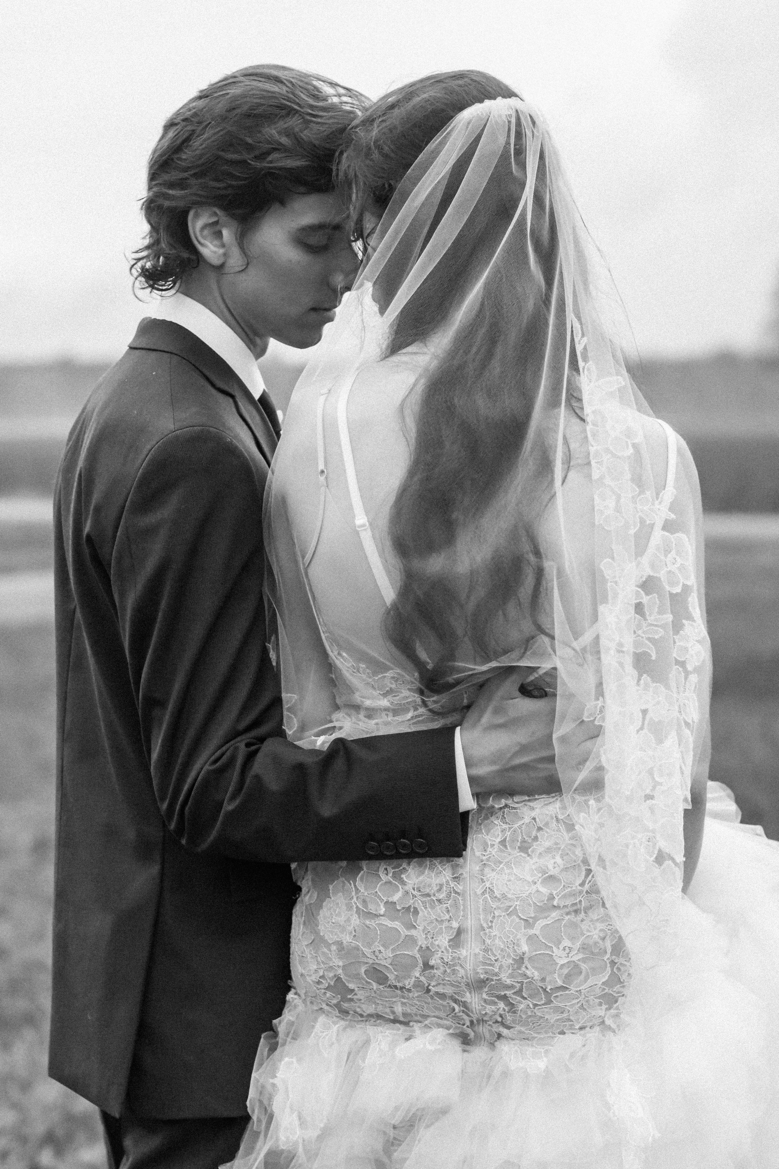 Dark & Moody Wedding Inspiration   Andrea Rodway Photography-49.jpg