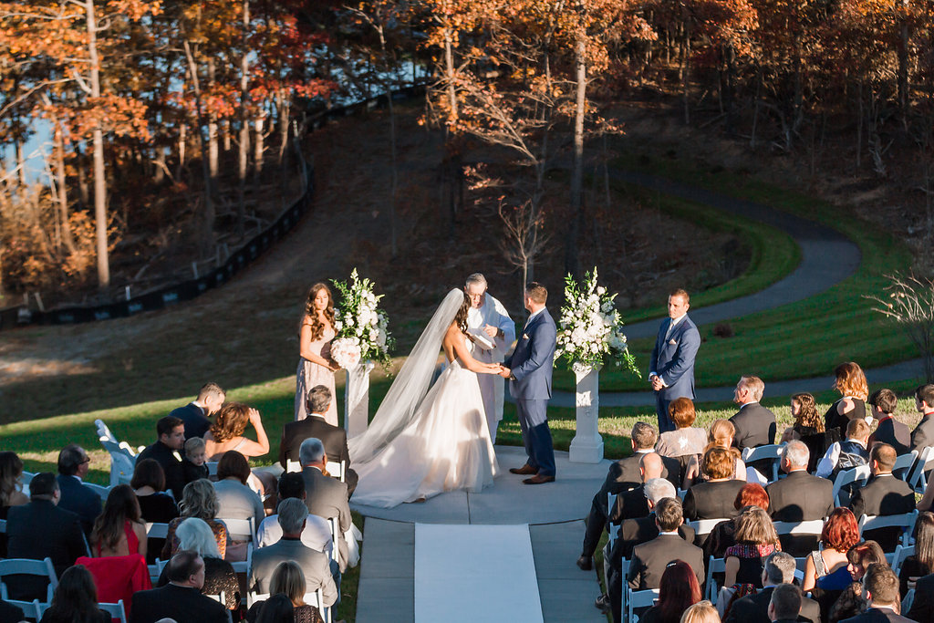 Blush & Champagne Shenandoah Lodge Wedding | Andrea Rodway Photography