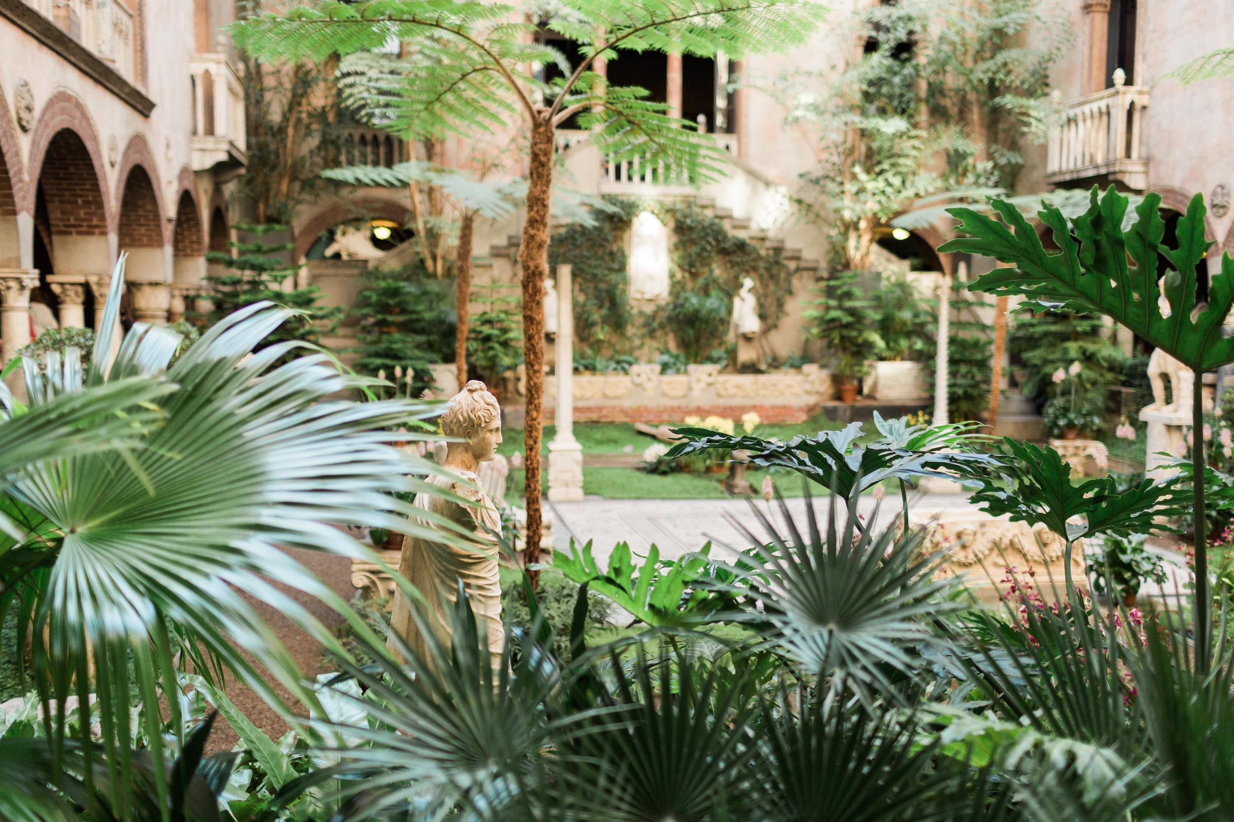 Courtyard (74 of 153).jpg