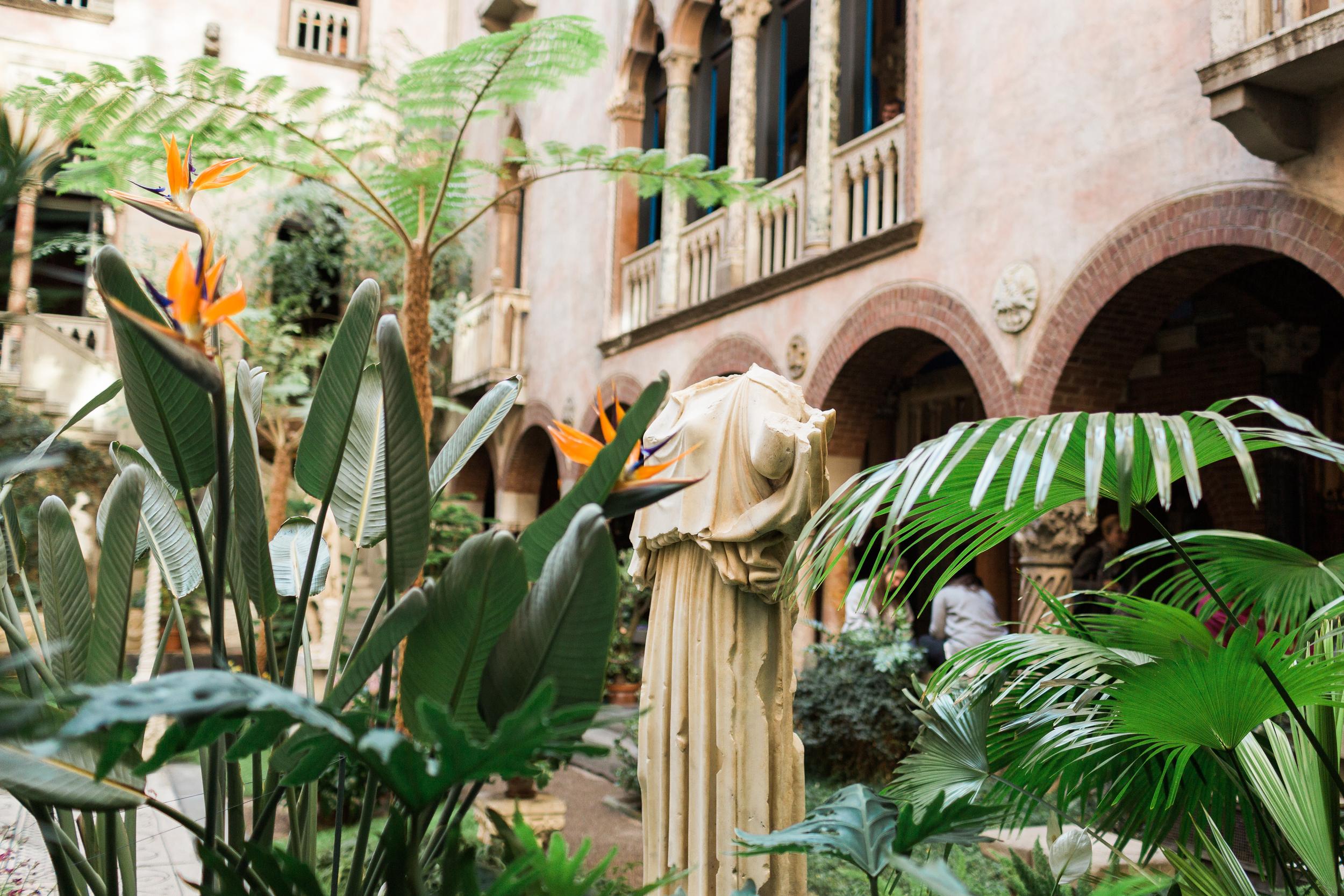 Courtyard (92 of 153).jpg