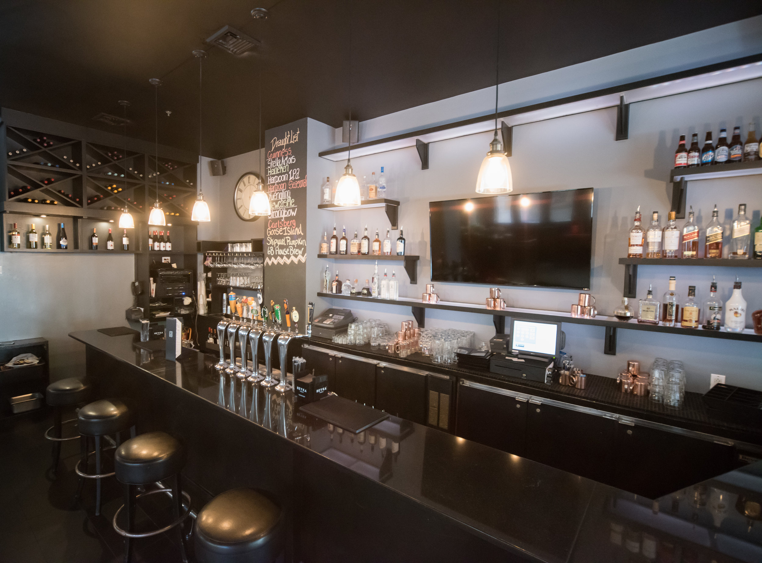 Bar at 6B Lounge, Boston's Beacon Hill