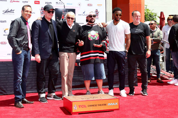 Kevin Smith with Stan Lee at his imprint ceremony at the TCL Chinese Theatre July 2017.