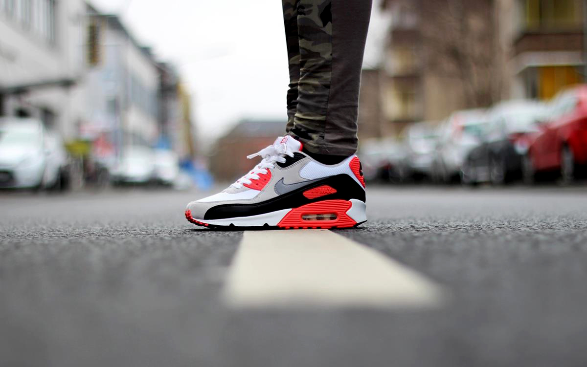 Joana-Lea-Nike-Air-Max-90-Infrared-.jpg
