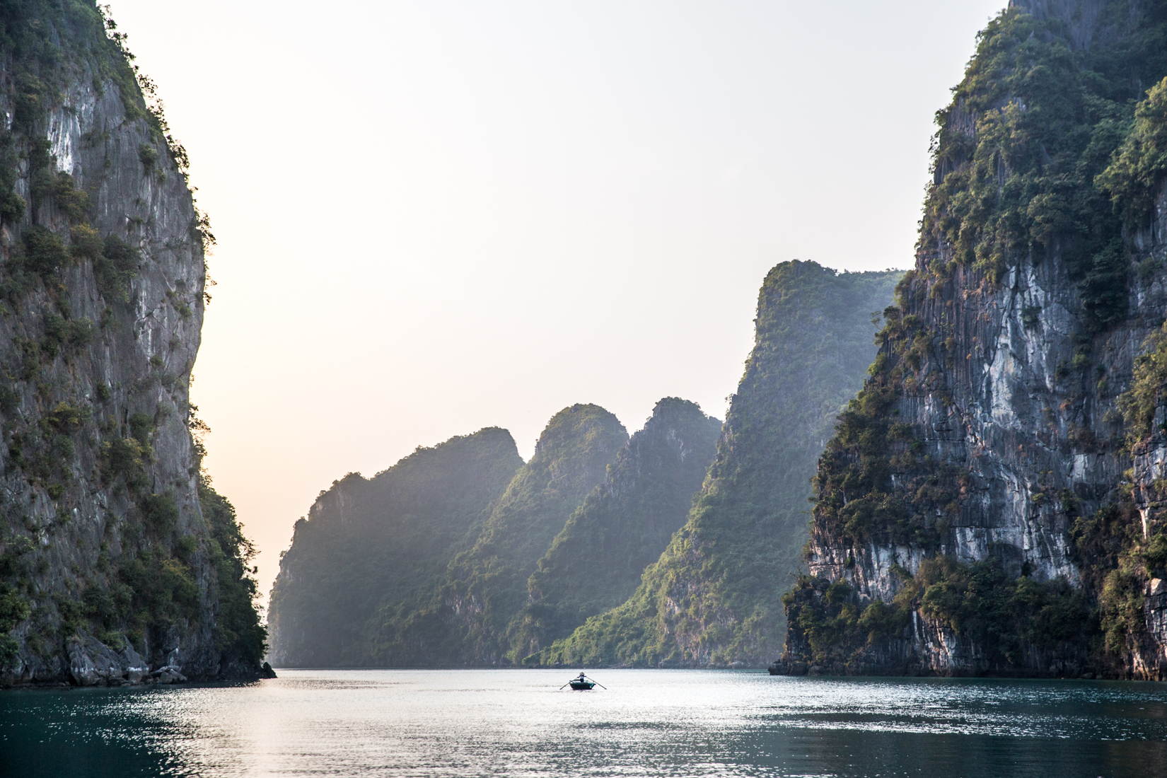 Halong Bay tammy beveridge photography.jpg