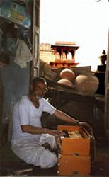 Mohan Kumar tuning a Signature 23 at DMS