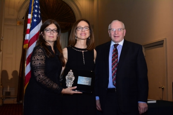 President of SPACA ,Shoshana Bederman (in the middle), Receiving a Community  Leadership Award.