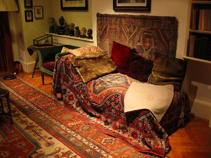 Freud's Sofa, Freud Museum, London. photo Robert Huffstutter.