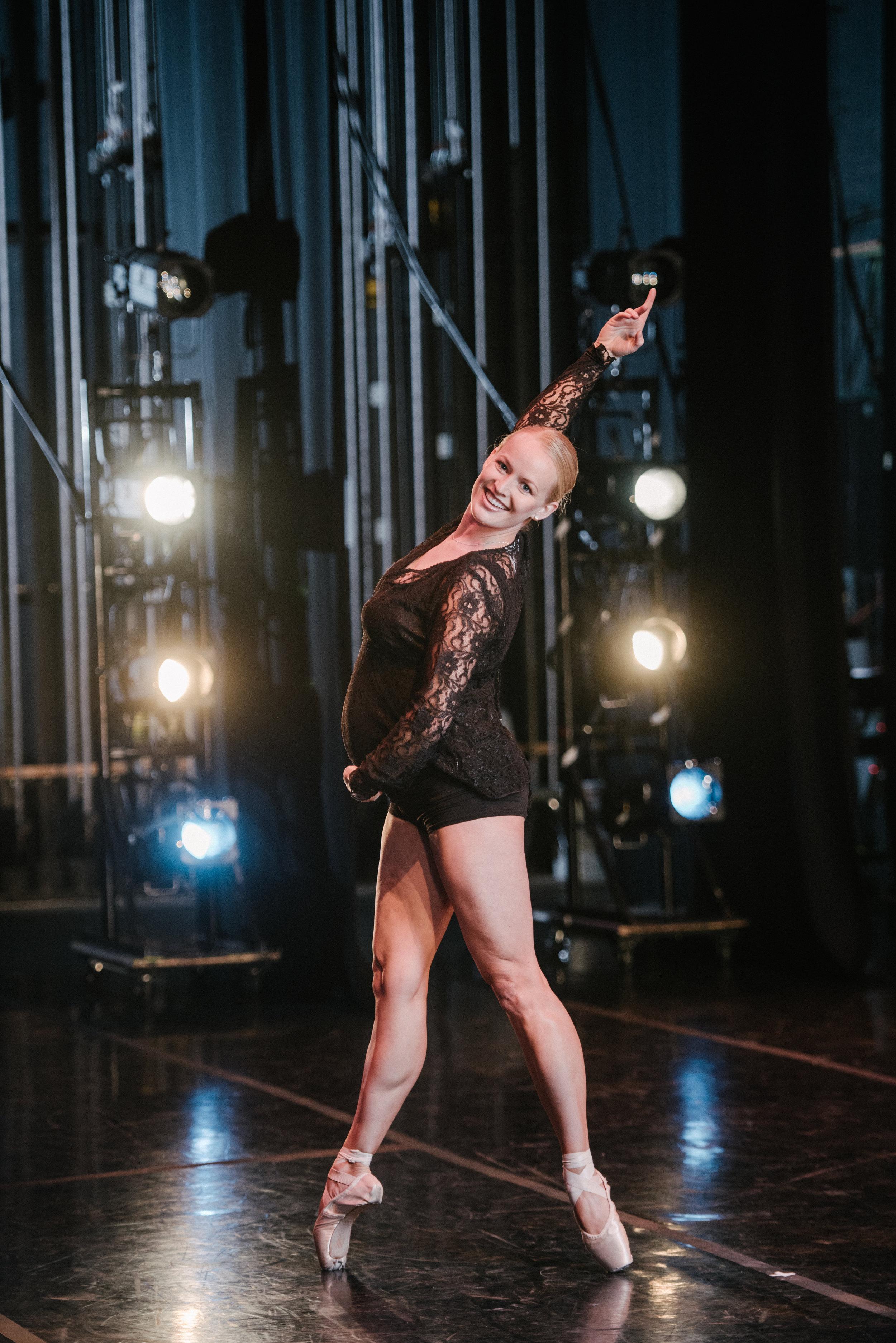 dance-balerina-maternity-photography-logan-utah