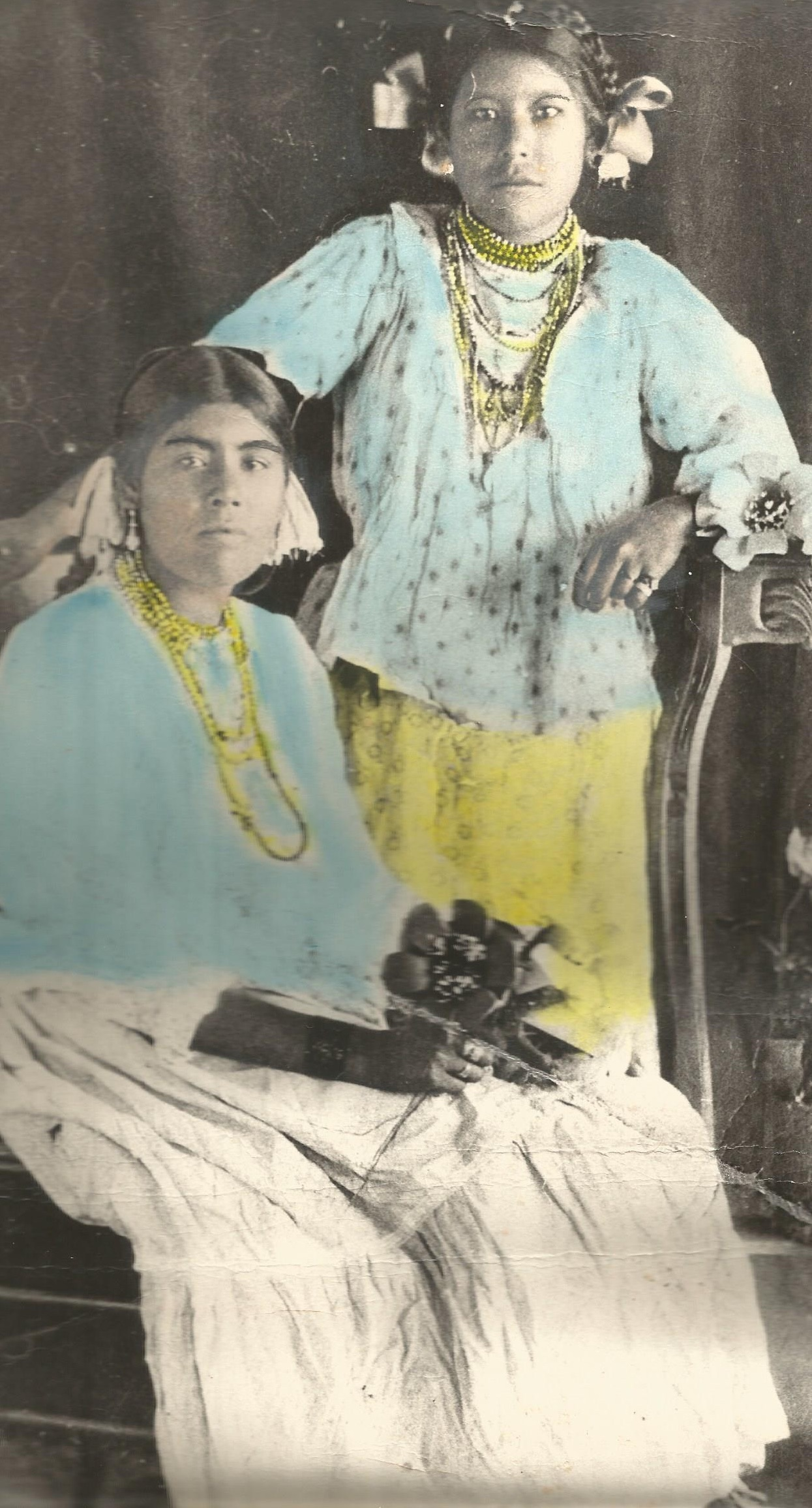 Ricarda León Flores (seated) with her first cousin Manuela, ca. 1925. Illustration in Juan Silverio Jaime León,  Testimonios de Una Mujer Yaqui  (n.p., 1998), 77.