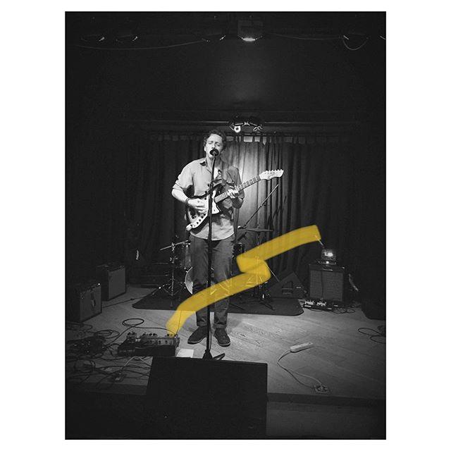 Thanks @burdockbrewery for the wonderful evening. Tonight we'll be playing @jillardguitars in #Hamilton at 7:30 w/ @garethinkster (Photo: @jennybanai) #hamiltonmusic