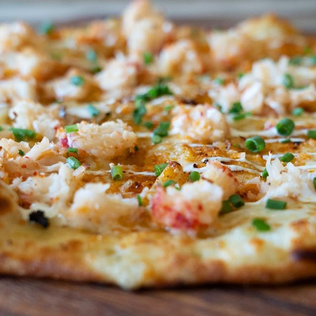 So the chef slipped this little Lobster beauty into Denton's lineup a few days ago and word is, he needs to keep it around for a few more weeks!  While it lasts, get your teeth into this! Crushed garlic, Smoked Mozzerella and Provolone, juicy Lobster, and a dash of a secret spice drizzled with creme fresh! Who's in? .  Fort Worth, coming to you this weekend!  #dentonpizza #foodiealert #denton #dentoning #dentonite #lobsterpizza #foodiesofdenton #garlicyum #nomnom #pizzalove #foodporn #dfwfoodies #90seconds #pizzafromscratch #realfood #tastypizza #whileitlasts #lobstergarlicpizza #dfweats #pizza #dentonsquare #unt #twu