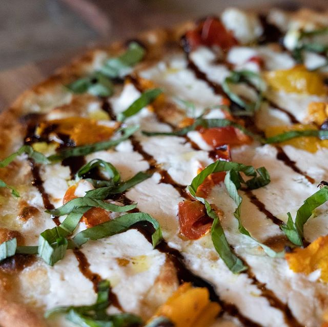 Four words. Black Truffle Infused Burrata  Now for a limited foodie time @ Denton and TCU! Being able to change our menu on a whim and watch peoples' faces light up is the best part of being local and independently- owned. The Caprese is one of FOUR new pizzas that the chef snuck onto the menu this week. We hope you love them!  #dfwfoodie #capresepizza #balsamicglaze #tcu #unt #denton #nom #nomnom #76109 #tomatotomato #gourmetpizza #dfweats #dfwfood #dentoning #dentonsquare #foodiesindenton #cowtownfood #pizzadfw #tcufoodies #fortworthfood #fortworthinsta