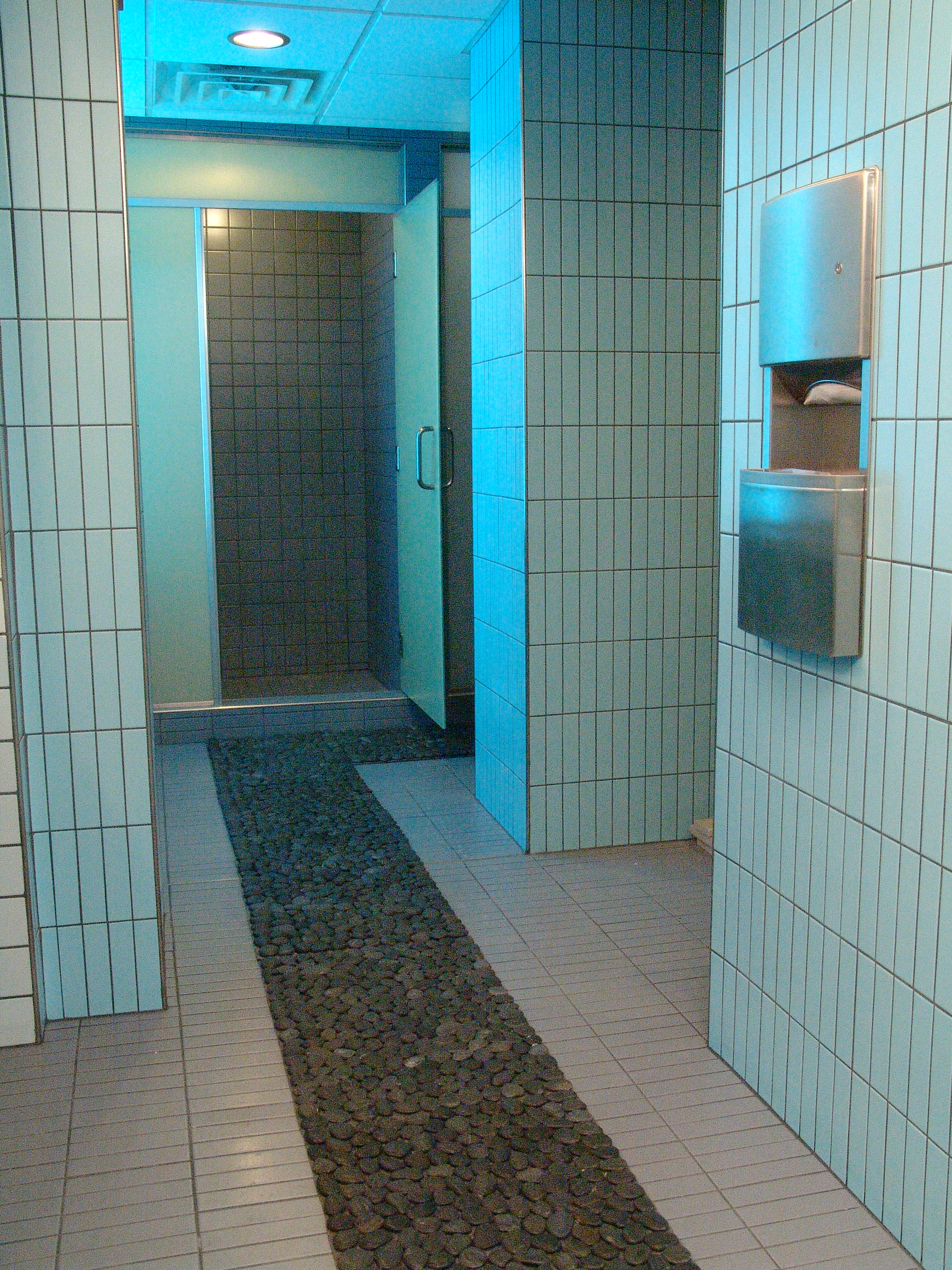 004-pebble path and commercial tile in shower area_3880.JPG