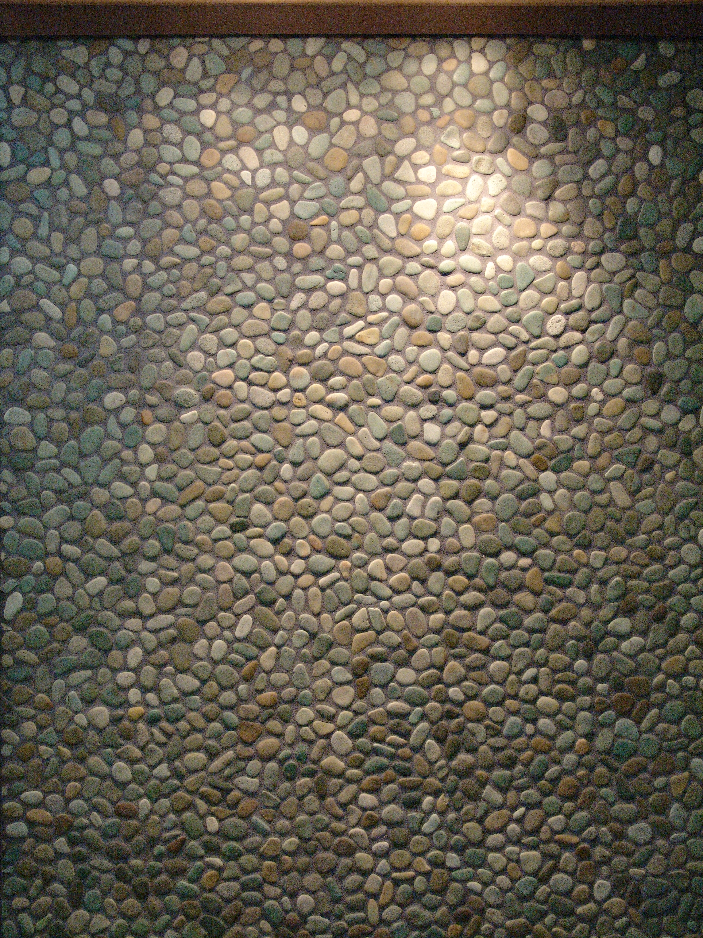 007-pebble mosaic fountain at entrance to salon_3896.JPG
