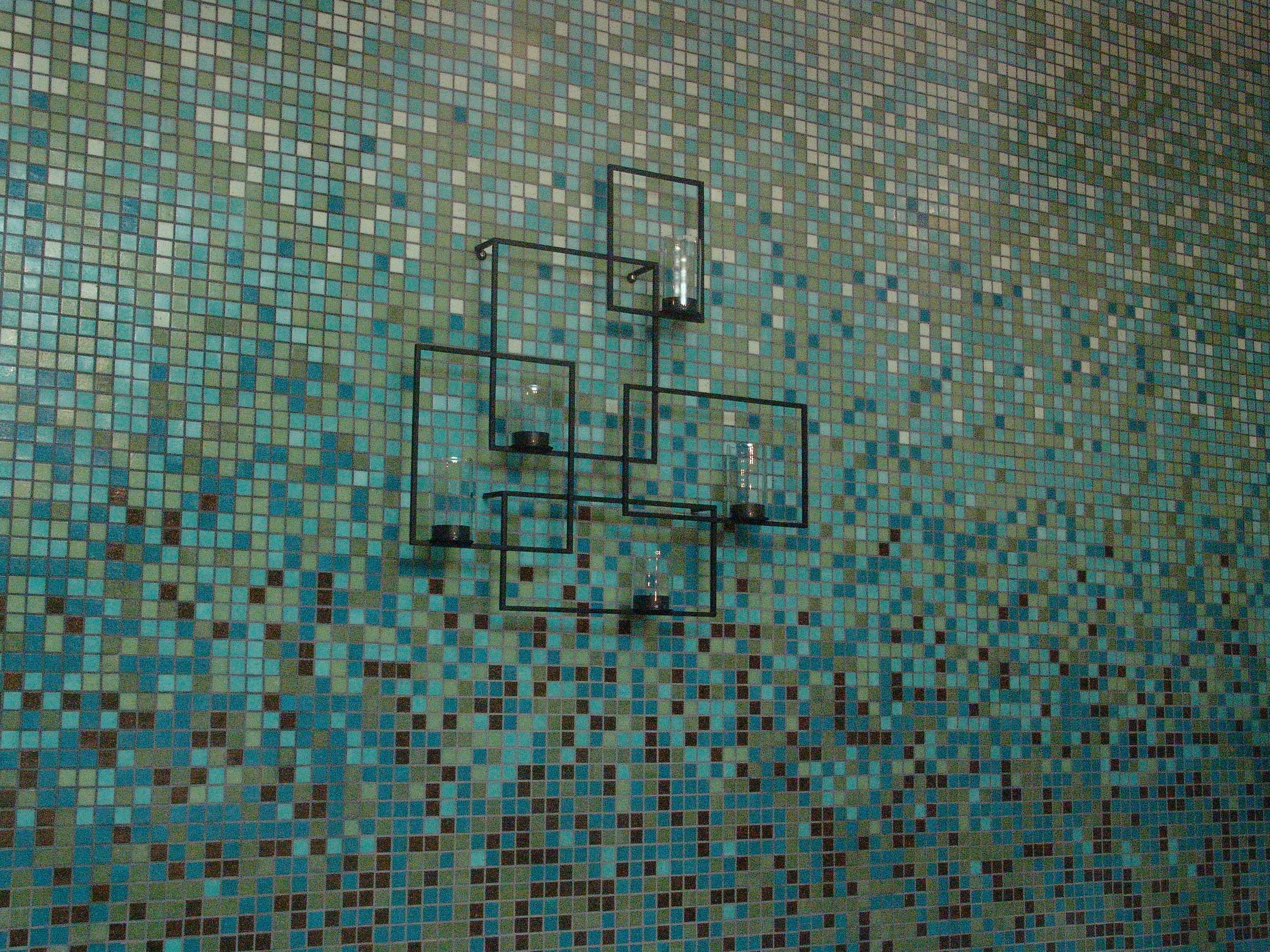 011-glass mosaic in massage room #3_3832.JPG