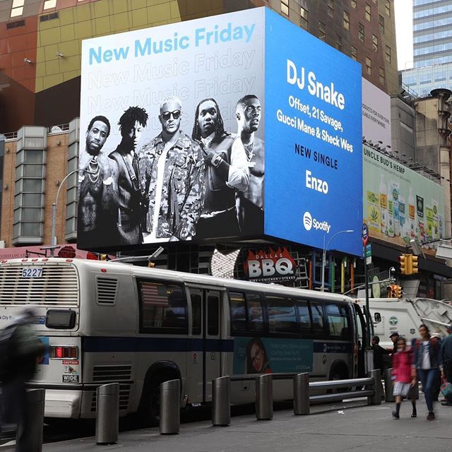 "Congratulations, @yunglunchbox! ⁣⁣⁣ ""ENZO"" in Times Square for @Spotify⁣⁣⁣ ⁣⁣⁣ #djsnake #offset #21savage #sheckwes #guccimane #spotify"
