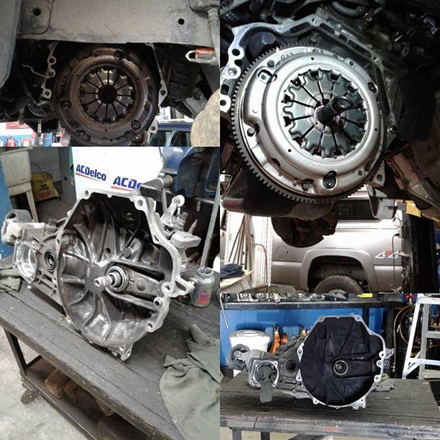 2003 Honda CRV gets a new clutch #repairshop #clutch #clutches