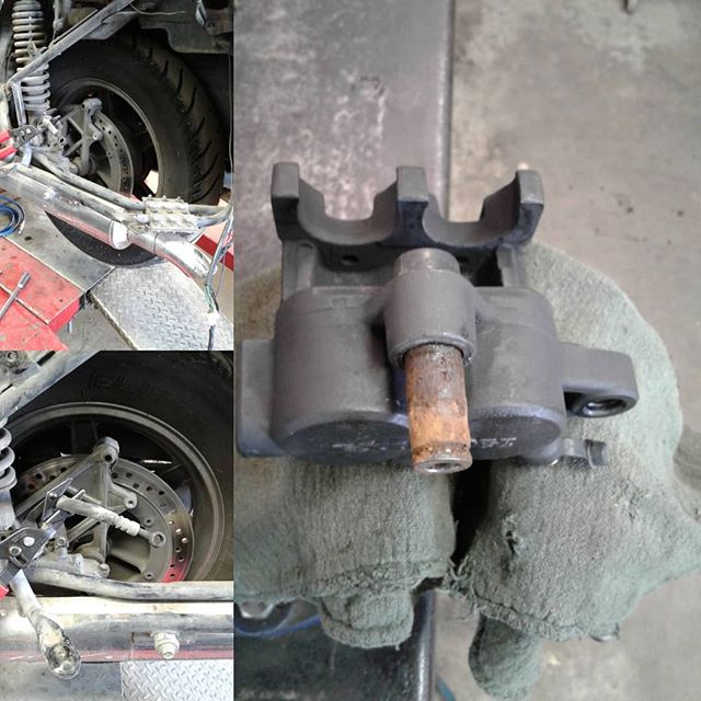 Honda GL1500 with a seized rear brake caliper pin, this is what happens when the caliber is not serviced, during a brake service. This caliper was dragging on the rotor, killed the brake pads and damaged the brake rotor, an expensive repair that was preventable.