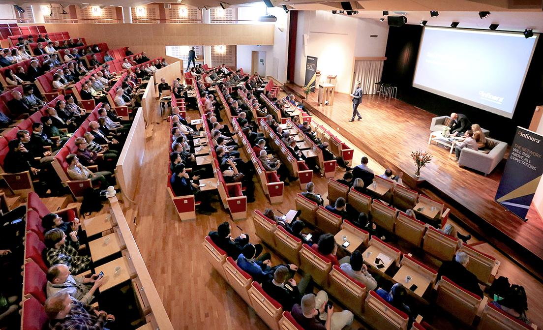 Essingesalen har plats för upp till 450 deltagare och är tekniskt fullutrustad.