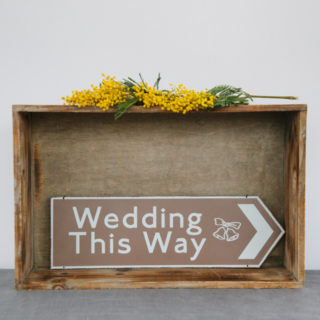 SIGNS - WEDDING THIS WAY METAL