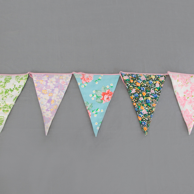 BUNTING - VINTAGE & RETRO STYLE - 8m long