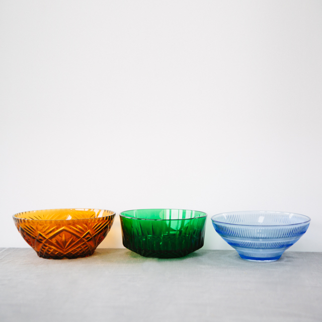CAKE PLATES & BOWLS - AMBER, GREEN & BLUE GLASS BOWLS - large