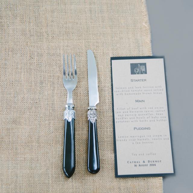 SILVERWARE - BLACK & SILVER ORNATE CUTLERY - KNIVES, FORKS & SPOONS