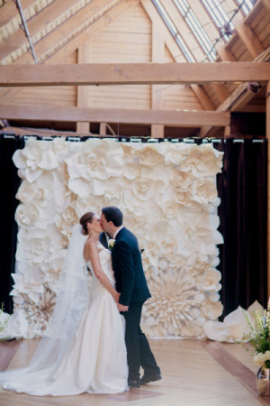 Paper-Flower-Ceremony-Backdrop-300x450.jpg