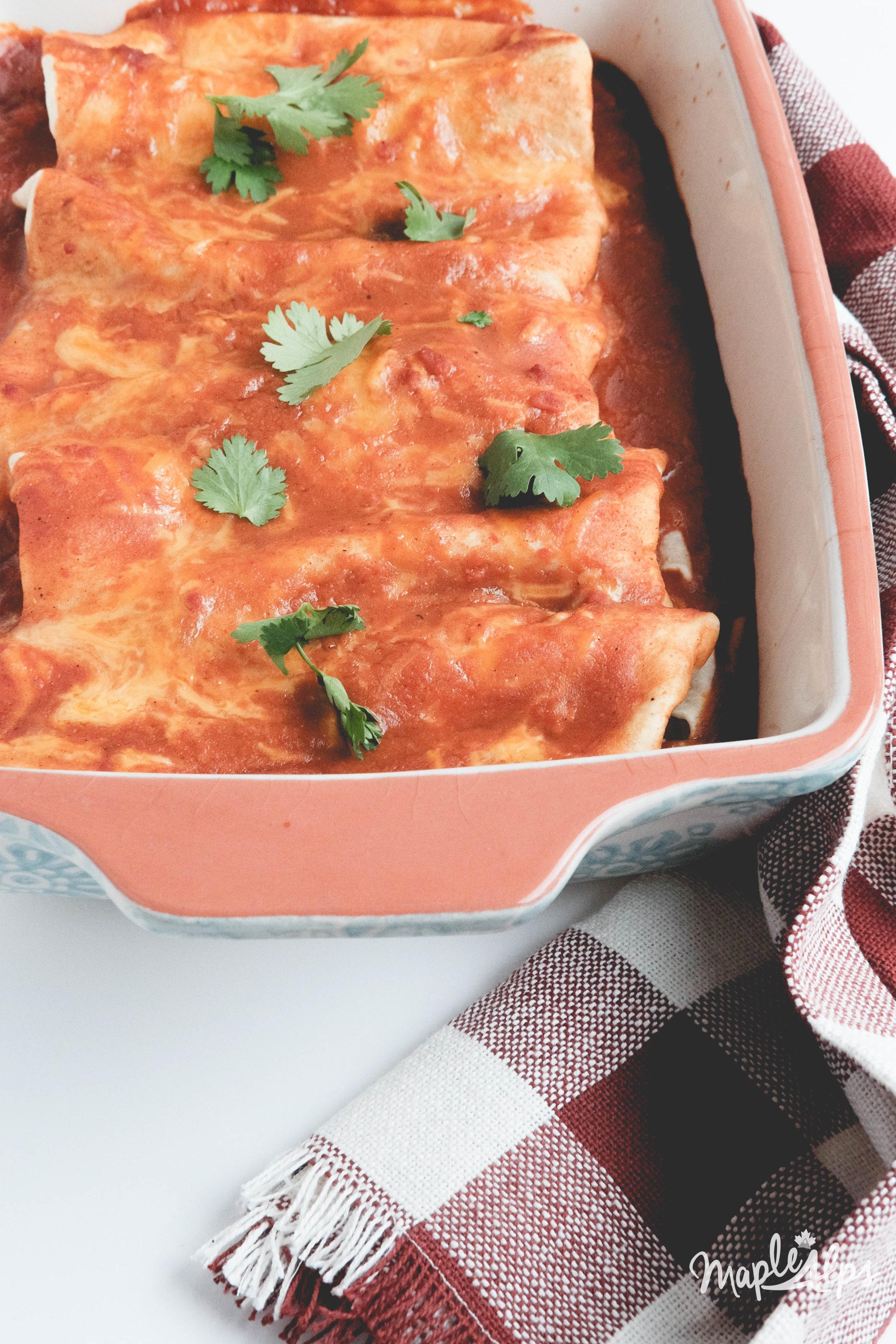 Black Bean & Spinach Enchiladas (vegan) | www.maplealps.com