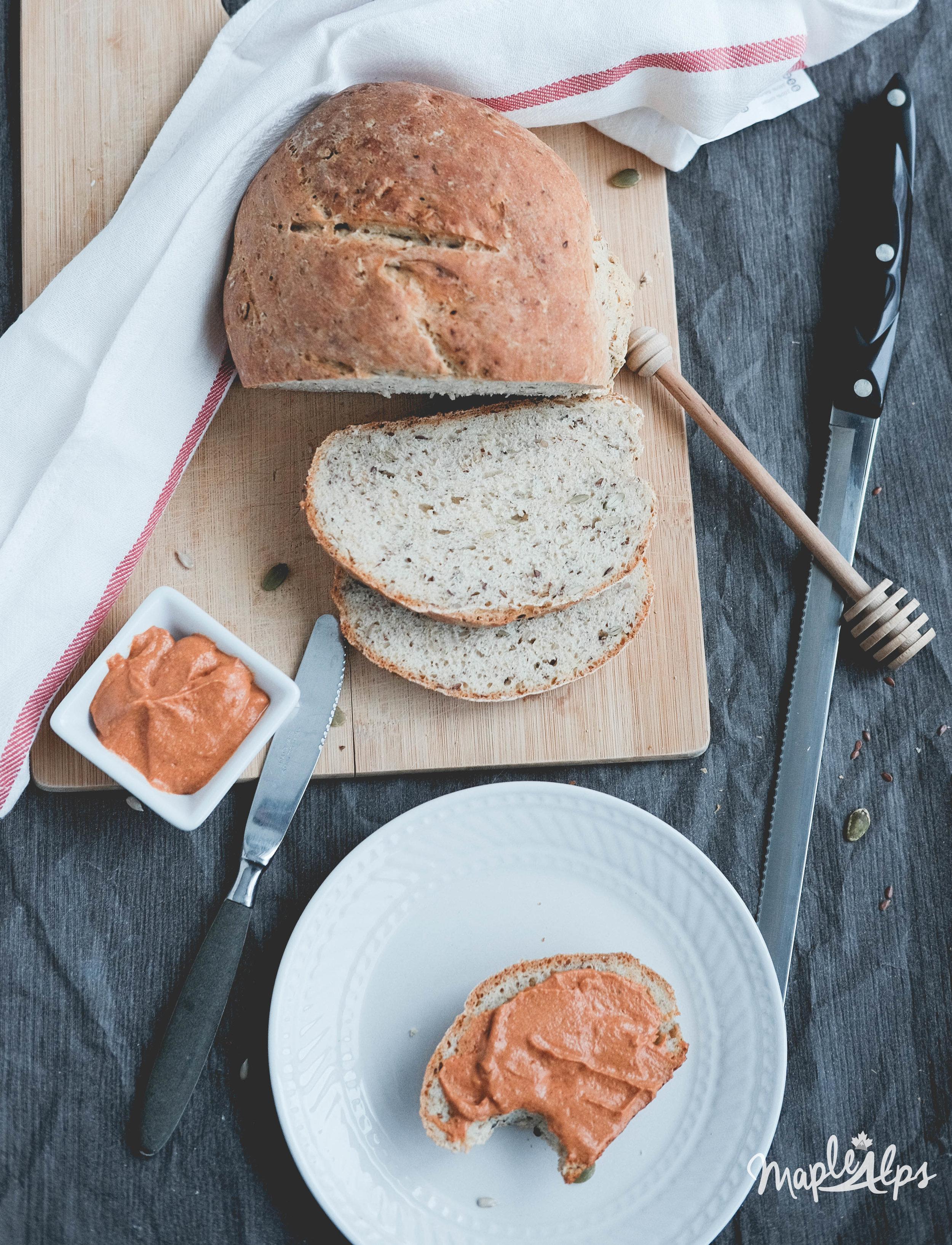 Easy Seedy Bread | www.maplealps.com