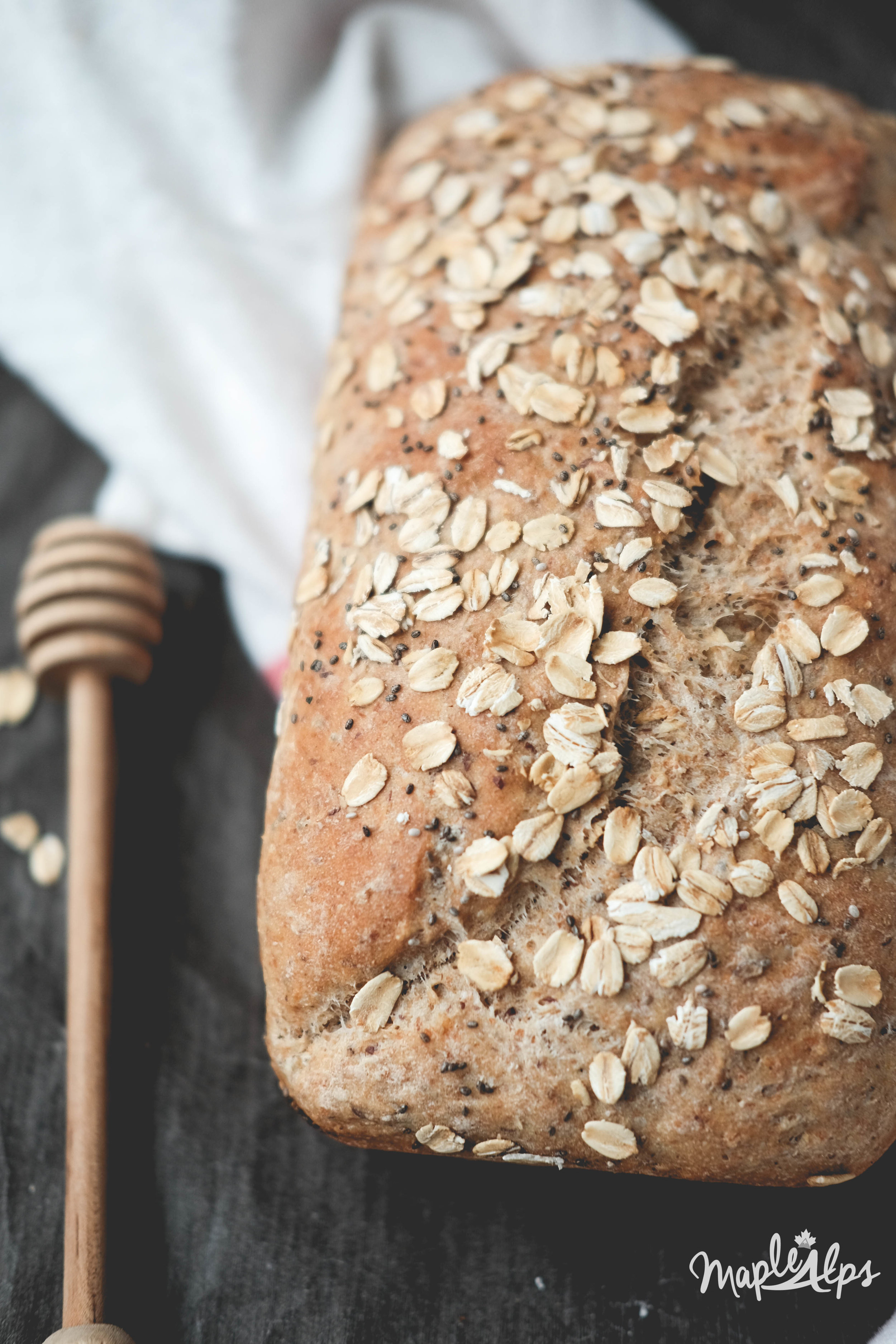 Honey Oat Chia Bread | www.maplealps.com
