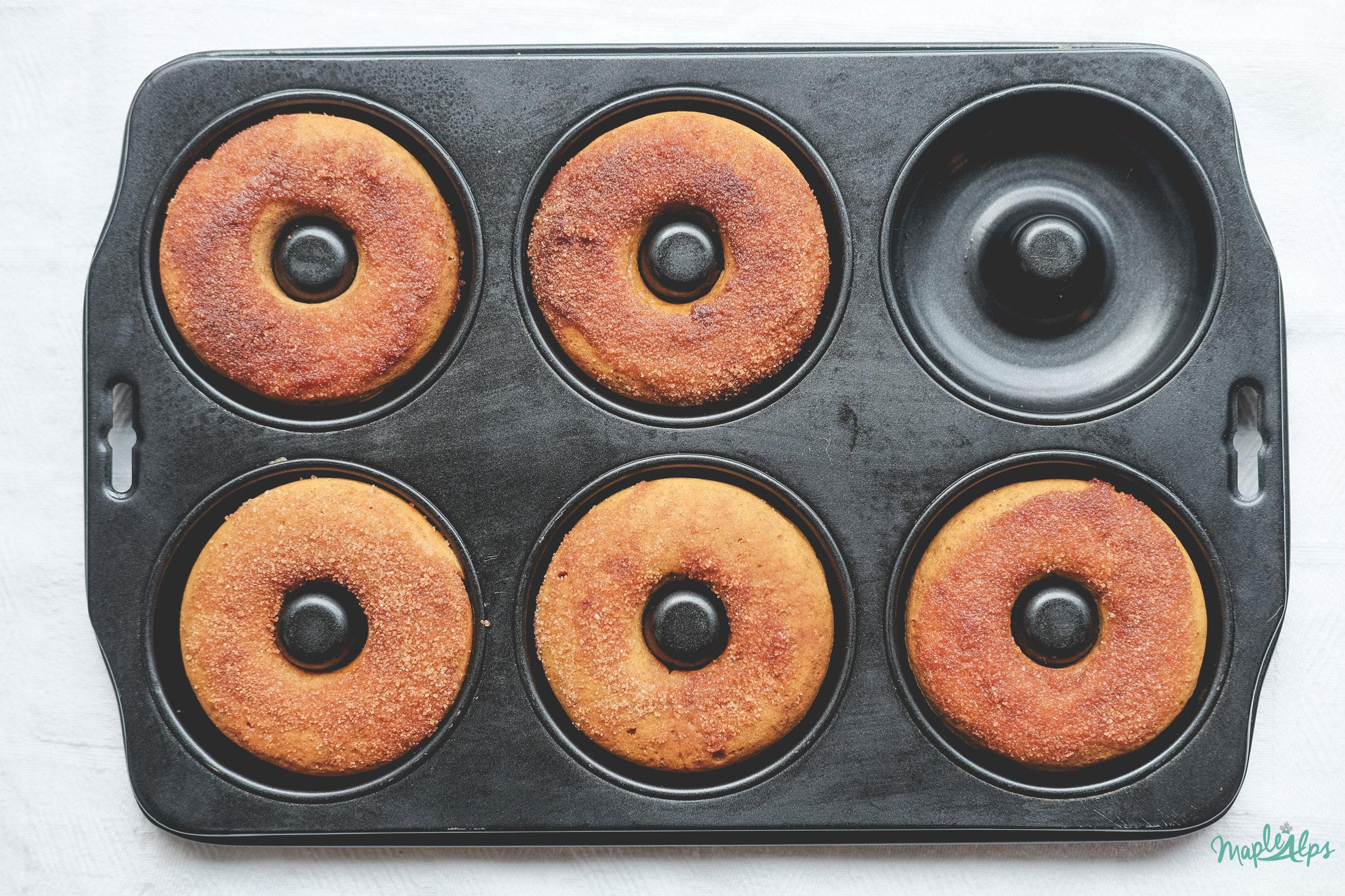 Pumpkin Donuts (vegan)   www.maplealps.com
