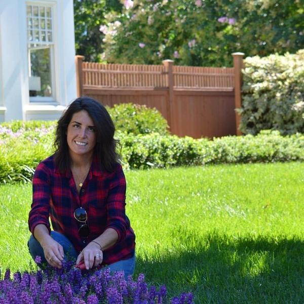 Mary Rafferty |  Fine Gardens Stylist